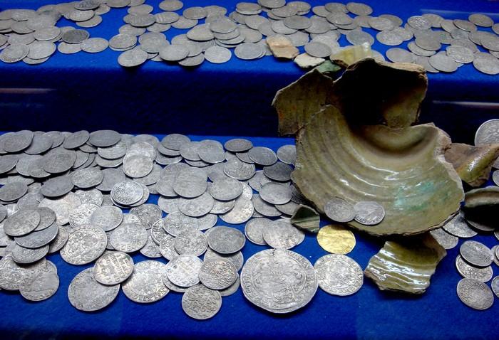 Монетный клад 1620-х годов., найденный под Логойском
