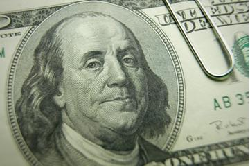 Изображение Бена Франклина на 100 долларах