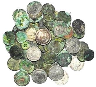 Старые монеты были в ткани