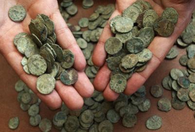 Клад Франции с тысячами римских монет