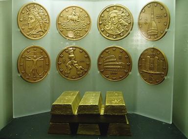Восковые модели итальянских монет евро из коллекции музея