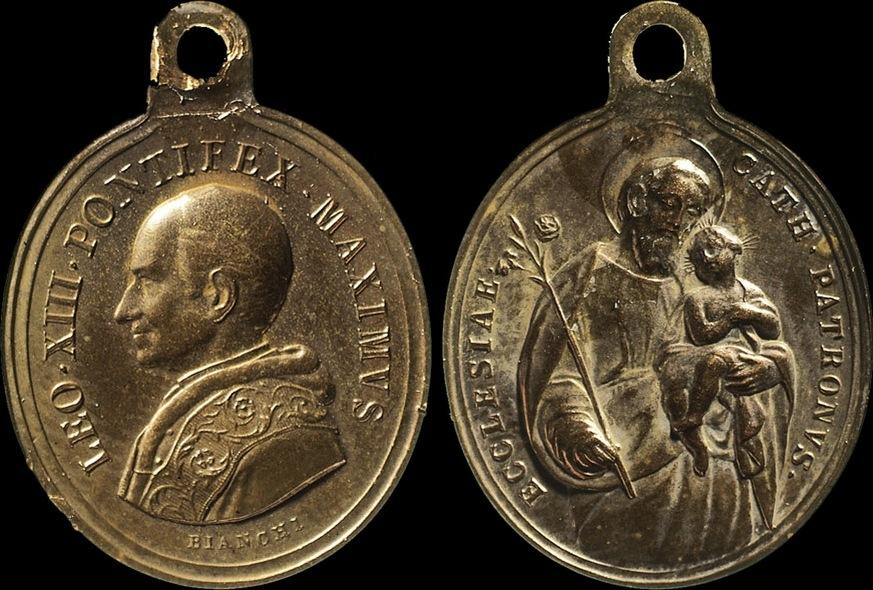 Пример так называемой религиозной медали с профилем папы римского Льва XIII на лицевой стороне и Св. Иосифом с младенцем Иисусом на оборотной (золочёная бронза, гравёр — Francesco Bianchi, (1849–1918); 28×23,5 мм)