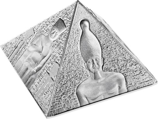Татфондбанк выпустил в продажу новые монеты в форме египетской пирамиды